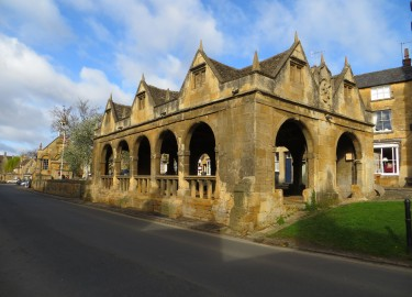 Market Hall Chipping Campden driver tour