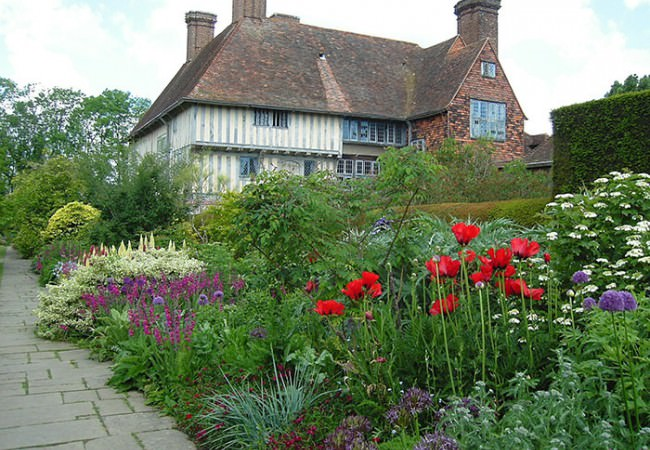 Great Dixter house and long border guided tour