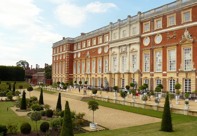 Hampton Court driver tour