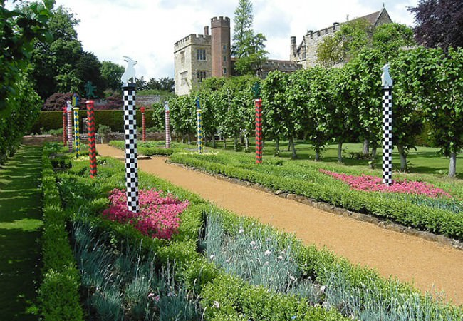 Penshurst Place Tudor garden guided tour