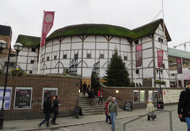 Shakespeares Globe Theatre guided tour